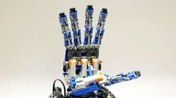 Lego-Robotic-Humanoid-Hand